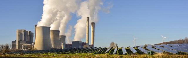 Kohlekraftwerk und Erneuerbare